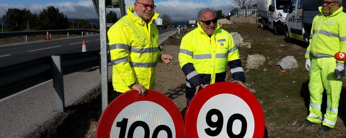 Pere Navarro y Javier Herrero en el cambio de la última señal de 100 a 90.